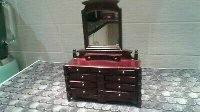Dolls House 12th:  Dressing Table  • 5£