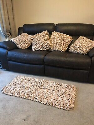 Dreamweaver Pebble Rug And 4x Cushions 3d  • 149£
