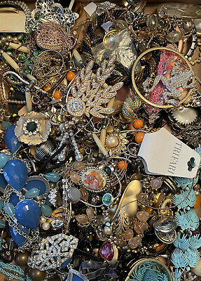 $ CDN20.18 • Buy Lot Of Vintage To Now Estate Costume Jewelry SOME SIGNED - SURPRISE! 5 Items