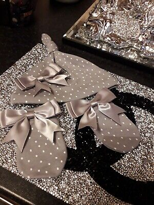 ROMANY BABY GIRL / BOY SILVER GREY SATIN BOW  HAT AND MITTENS 0 - 3 Months  • 4.99£