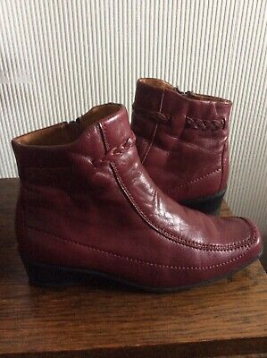 Ladies Lotus Wine / Burgundy Leather Ankle Boots - Size 4 • 18£
