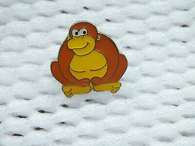 Gorilla Enamel Badge • 1.20£
