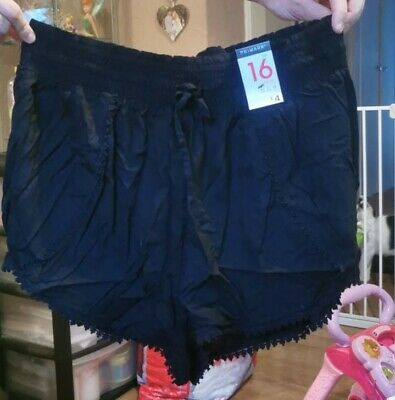 Ladies Shorts Size 16 • 1.50£