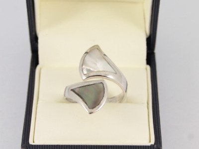 Mother Of Pearl Crossover Ring Sterling Silver Ladies Size R 1/2 925 5.2g Hq86 • 10.50£
