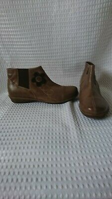 Pavers Taupe Leather Womens Flatish Low Ankle Boots Size 5 Vgc • 24.99£