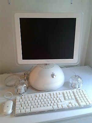 VINTAGE APPLE IMAC - BOXED- SWITCHED ON ONCE ONLY • 900£