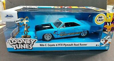 LOONEY TUNES 1970 PLYMOUTH ROAD RUNNER W/ Wile Coyote Figure JADA TOYS 1:24  • 28.34£