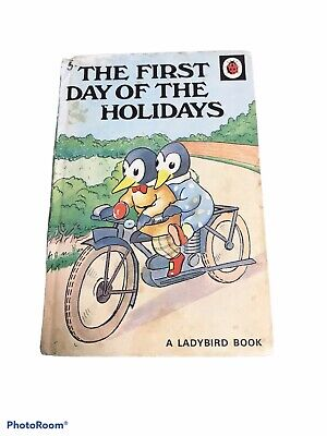 A Ladybird Book The First Days Of The Holidays Series 401  • 3£