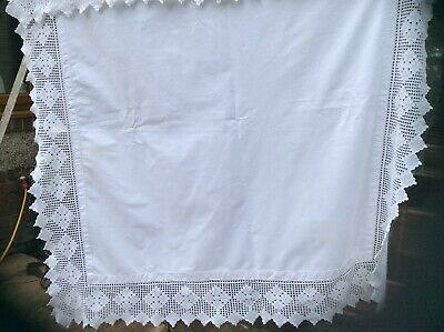 Stunning Vintage Hand Embroidered Tablecloth Deep With Embroidery Lace Edge • 15.99£