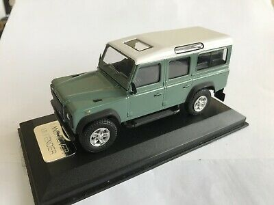 Land Rover Defender Light Green Diecast Model 1:43 Scale - Cararama Collectors • 4.99£
