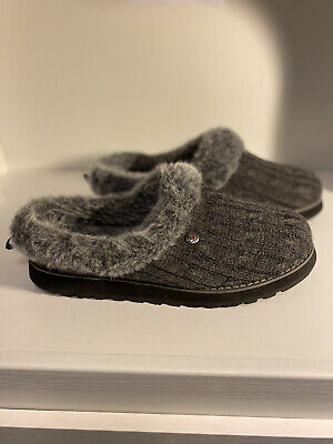 BOBS From SKECHERS Women's Size 10 Gray Fur Lined  Indoor Outdoor Sole Slip Ons • 28.92£