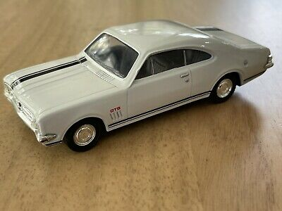 AU45 • Buy VERY RARE - TRAX 1/43 1968 HK Holden Monaro GTS327 In White – 8004/TR3