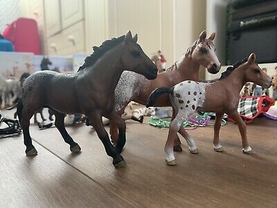 Retired Appaloosa Schleich Horses • 6£