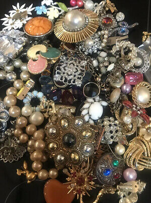 $ CDN24.89 • Buy Lot Of Vintage To Now Estate Costume Jewelry SOME SIGNED - SURPRISE! 5 Items