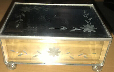 £19.99 • Buy Glass Mirrored Silver Metal Etched Jewellery Trinket Cigar Box Nice Condition