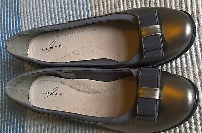 £7 • Buy Lunar Pewter Flat Shoes Size 8 Never Worn