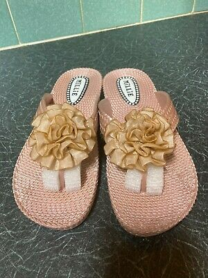 £7.99 • Buy Millie Gold Toe Post Sandals Size 7