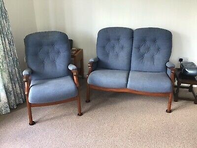 Cintique Winchester 3 Piece Suite, 2 Seater Sofa And 2 Armchairs • 100£