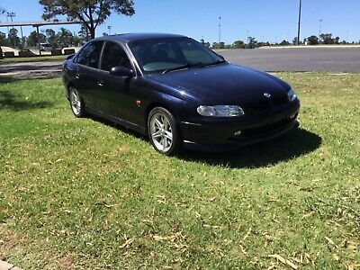 AU5200 • Buy VT SS COMMODORE SC V6 Automatic With Log Book