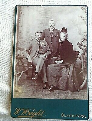 Antique Cabinet Photo,  Group Of People • 4£