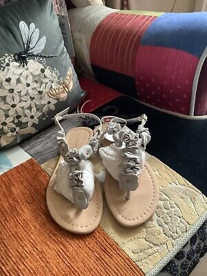 £12 • Buy Primark Grey Flower Flat Sandals Size 3 Brand New With Tags