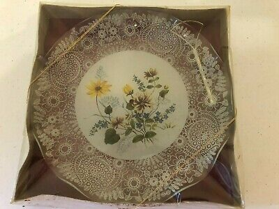 £5 • Buy Decorative Glass Cake Stand With Gold Effect Handle Dates Back To1985