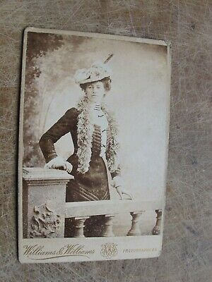 £5 • Buy Victorian Cabinet Card- Ladies Portrait / Fashion Interest -Williams Of Cardiff