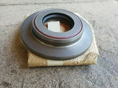 $59.99 • Buy M35A2 M35A3 ROCKWELL 2.5 TON AXLE SEAL RETAINER W/SEAL FOR U JOINT STYLE AXLES