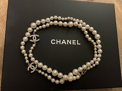 £1400 • Buy AUTHENTIC Classic Chanel Gold CC Pearl Necklace