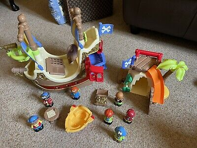 £10 • Buy ELC Happyland Pirate Ship, Cove And Figures