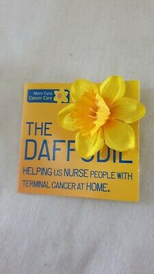 £0.99 • Buy Marie Curie Yellow Daffodil Flower Stud Pin Badge Charity