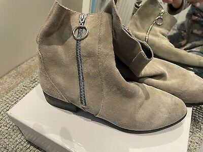 £8 • Buy Topshop Suede Ankle Boots Size 6