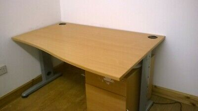 £400 • Buy Job Lot: (4) X Beechwood Wave Office Desks, 12 Chairs, Eth/t Cables & Trunking.