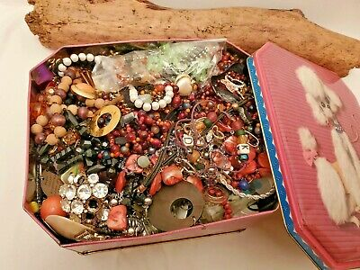 $ CDN54.81 • Buy 5 POUNDS VINTAGE JUNK & CRAFT JEWELRY LOTS BLING BEADS NOVELTY In COLLECTORS TIN