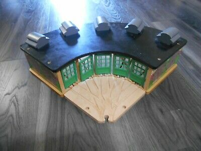 £35 • Buy Wooden Thomas The Tank Engine Train Set Tidmouth Sheds Roundhouse
