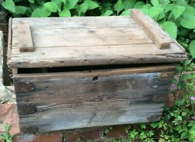 £1 • Buy Old, Original Wooden Cabin Trunk With Shipping Labels, Needs Restoration