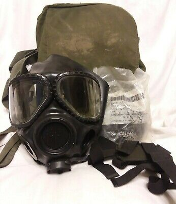 $115 • Buy M40 Gas Mask Small With 2nd Skin And Bag (J13)
