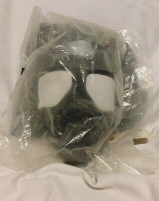 $100 • Buy NEW M40 Gas Mask Small And Bag (J16)