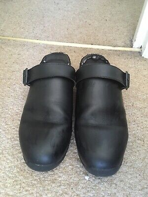 £4 • Buy Chef Shoes Men, Size 9, Used, Needs New Insole