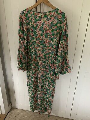 £21 • Buy Womens Floral Midi Dress Size Large From Zara