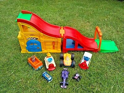 £10 • Buy Fisher-Price Little People Rev 'n' Sounds Race Track - With Assorted Vehicles