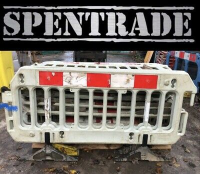 £357 • Buy ROAD BARRIERS 17 TRAFFIC MANAGEMENT CHAPTER 8 PEDESTRIAN PLASTIC SAFETY £17.50ea