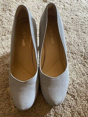£10 • Buy Clarks Cushion Heeled  Court Shoes Size 6 Wedding / Summer Party Shoes Women