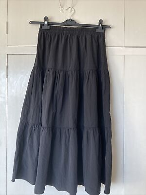 £5 • Buy Stradavarius Size Large Bkack Tierd Skirt New With Labels