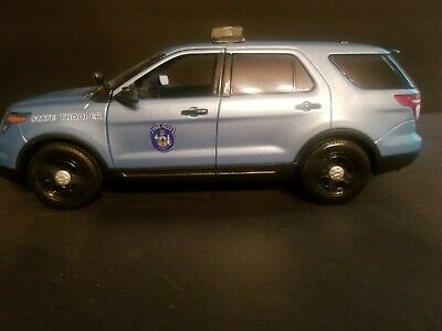 $160 • Buy Maine State Police 1/18 Ford Explorer With Working Lights ( No Box )