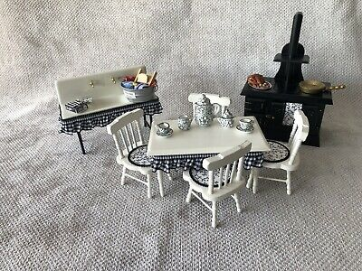 £22 • Buy Dolls House 1/12 Scale Black And White Old Fashioned Kitchen Set.