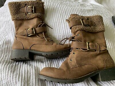 £22 • Buy Clarks Ladies Leather Winter Boots Size 7
