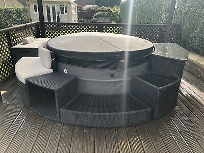 £500 • Buy Used Canadian Spa Rattan Hot Tub Furniture (Collection Only)