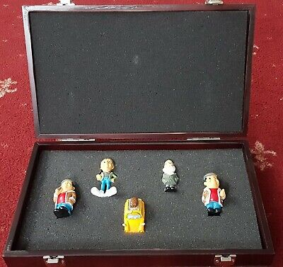 £25 • Buy Vintage BBC TV Only Fools And Horses Trotters 5 Figurine Set Wooden Display Case