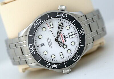 £3895 • Buy Omega Seamaster 42mm Co-Axial Automatic Watch - White Face & Black Bezel (2021)